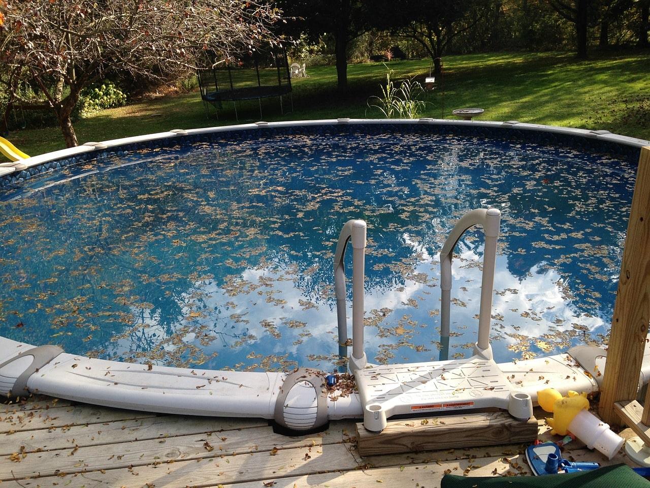 Comment réaliser le nettoyage d'une piscine