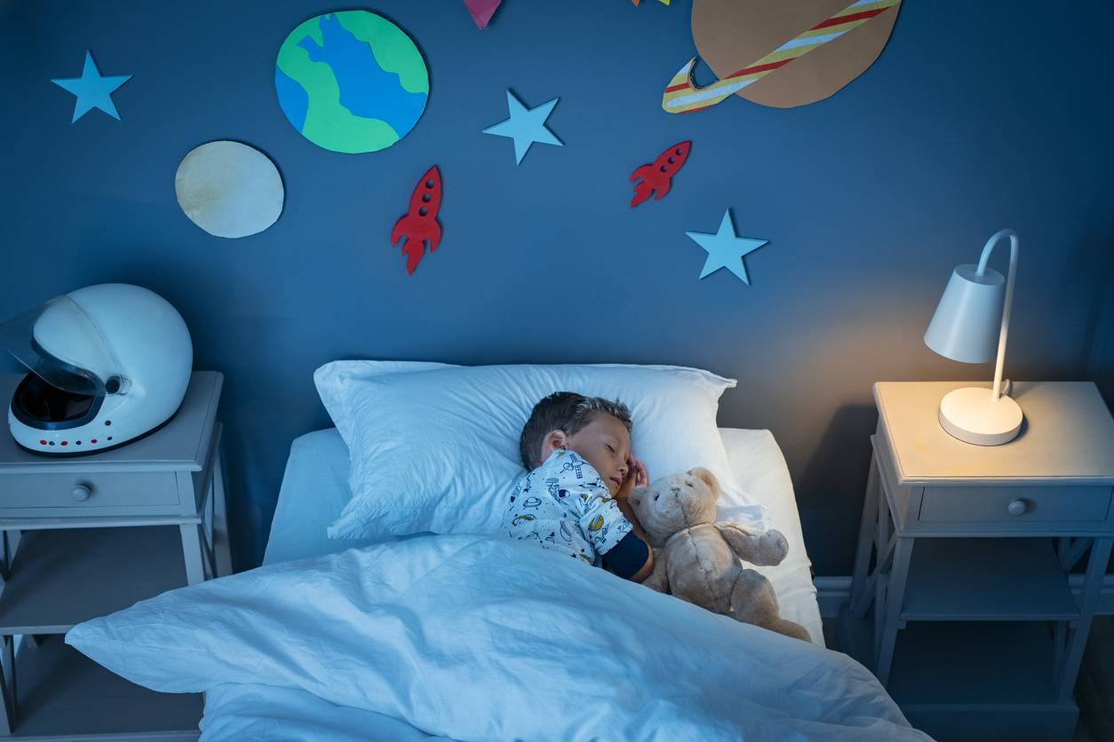 lit chambre d'enfant