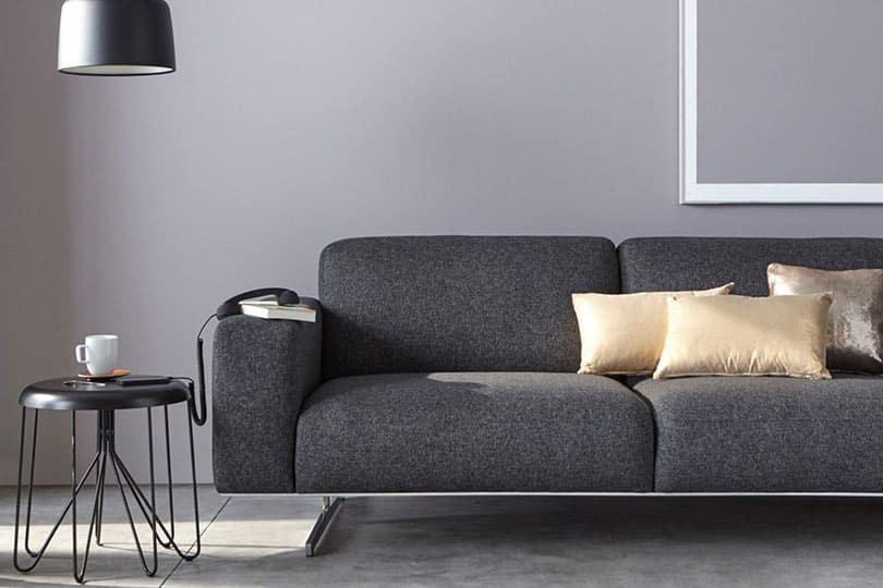 Quelle couleur de mur avec un canapé gris ?