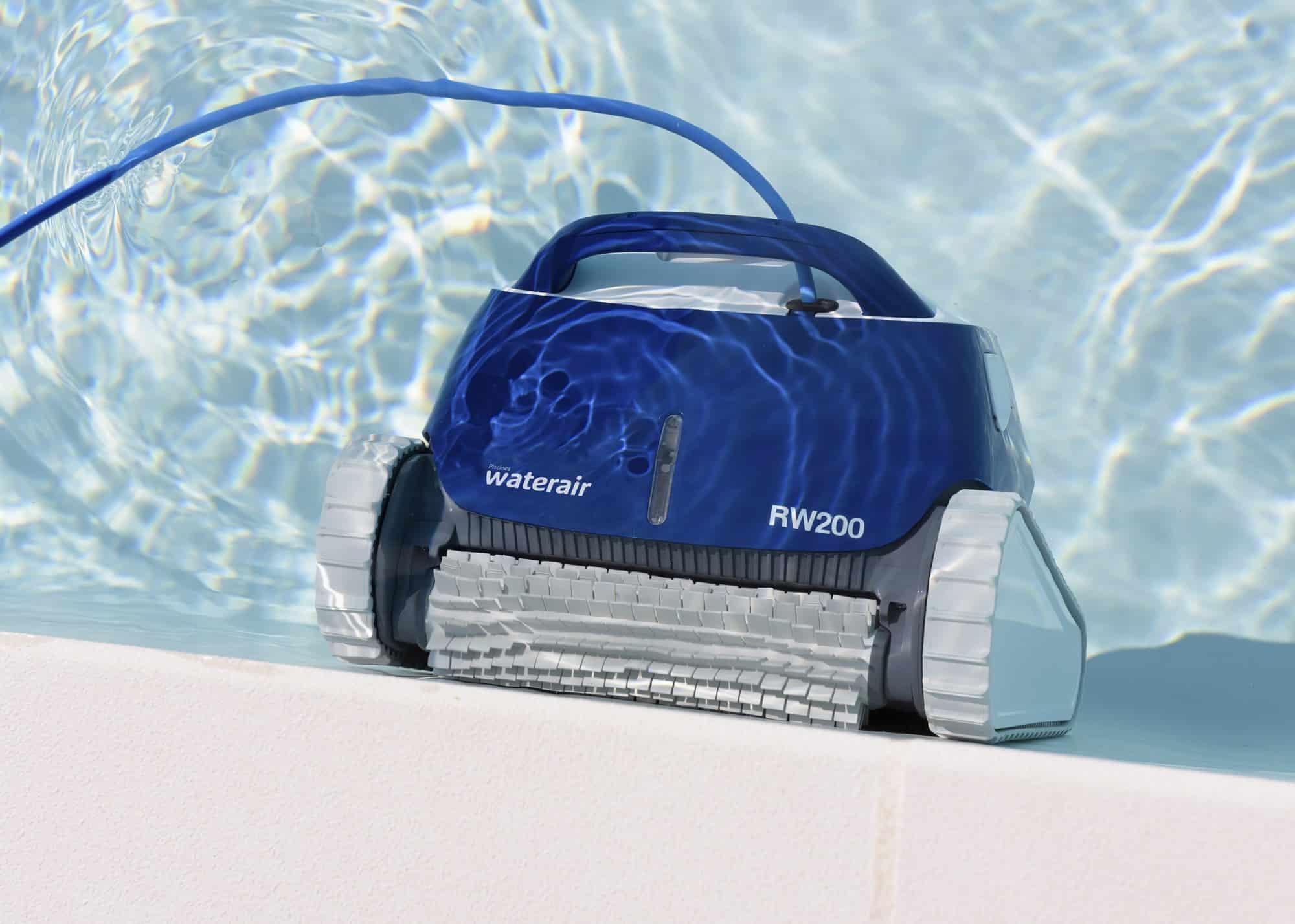 Robot de piscine : les raisons d'acheter cette machine